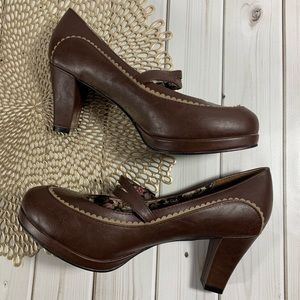 Bettie Page shoes by Ellie | Brown Heels Sz 10